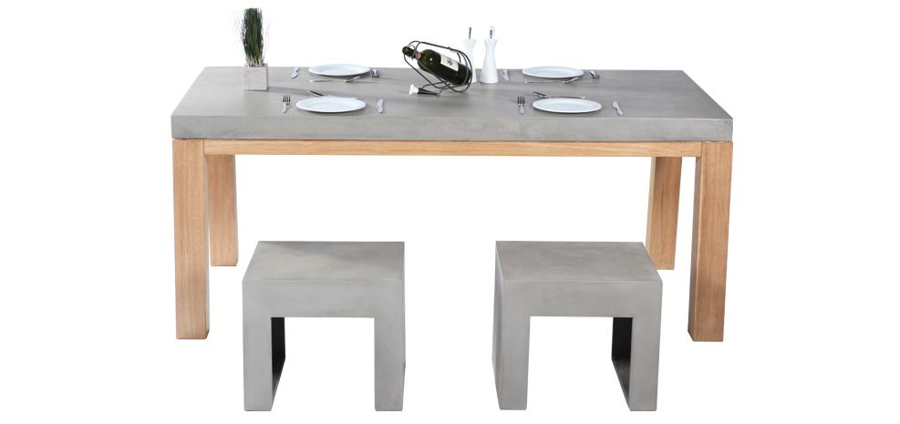 Table de cuisine en béton et en bois