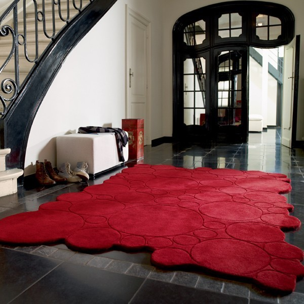 tapis rouge contemporain