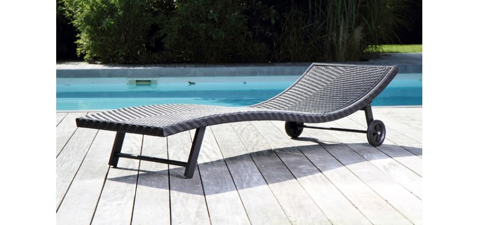 Blog - Des meubles design autour de la piscine